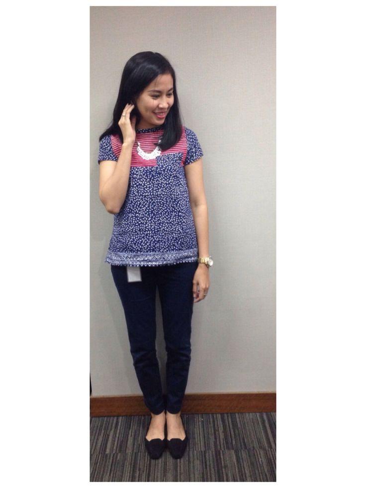Top batik by @bungakrisyan Zara navy pants