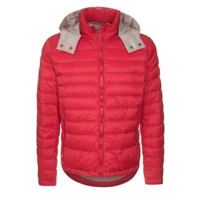 €194, Rote Daunenjacke von Hetregó. Online-Shop: Zalando. Klicken Sie hier für mehr Informationen: https://lookastic.com/men/shop_items/111582/redirect