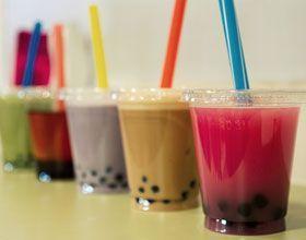 Chouette découverte aujourd'hui : celle du Bubble tea ! «Le Bubble tea ou «Thé aux perles», «Thé aux bulles» ou encore «Boba tea» est une boisson d'origine taïwanaise née dans les…