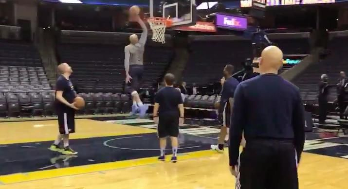Vince Carter Age 40 Warms Up With A Half-Court Shot And A 360 Dunk