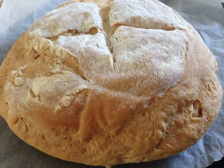 Pane Bimby, semplice da fare e buonissimo! Ingredienti: 500 gr di farina, 300 gr di acqua, 1 cubetti di lievito di birra (25 gr), 1 cucchiaino raso di sale...