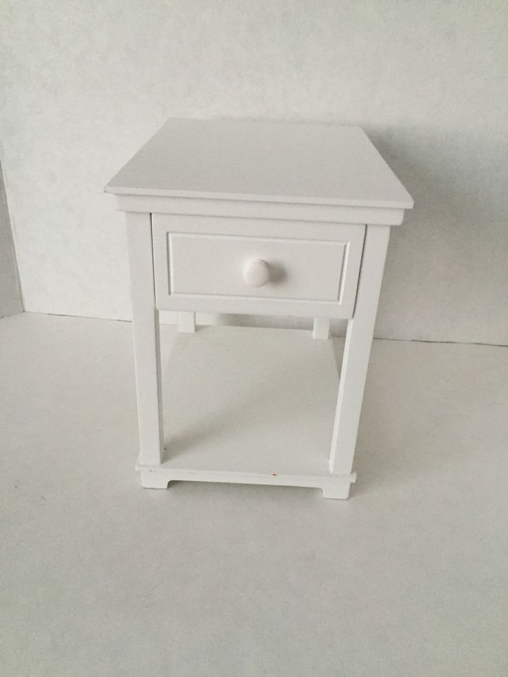 American Girl Dreamy White Night Stand 2012 F0840 Retired