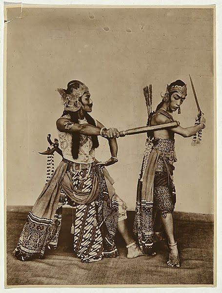 Werkudara & Arjuna ~ Indonesian performers, Wayang Wong ~ Java ~ Indonesia ~ c1923-1926