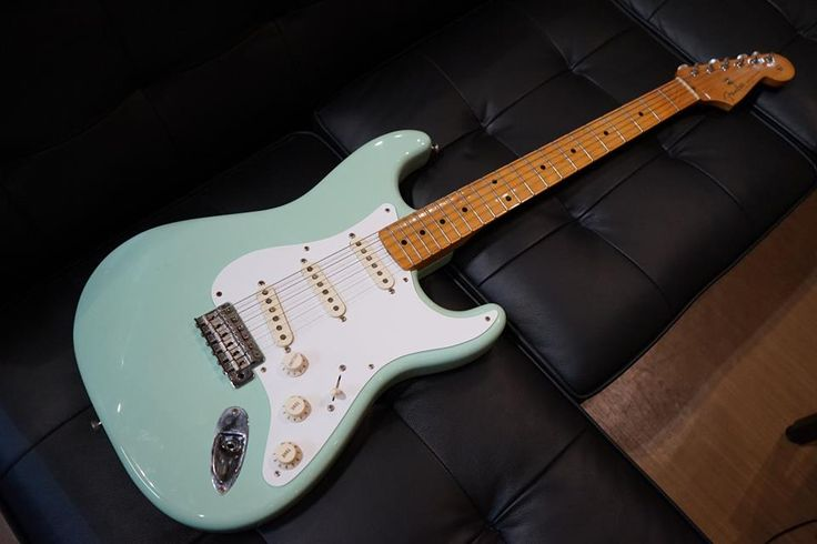 FENDER 50s STRATOCASTER Surf Green  http://www.chuya-online.com/products/91527/index.html