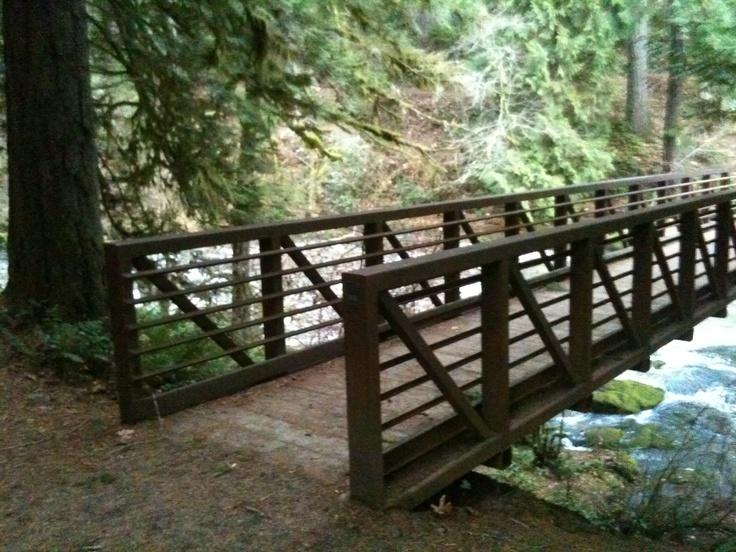 Lacamas Creek Trail....one of many bridges:)