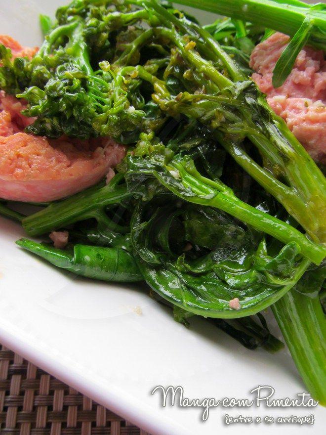 Brócolis com Lingüiça, para ver a receita clique na imagem para ir ao Manga com Pimenta.