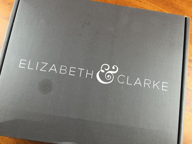 December Winter 2014 Elizabeth & Clarke Review - Fashion Subscription Box + Coupon - http://mommysplurge.com/2014/12/december-winter-2014-elizabeth-clarke-review-fashion-subscription-box-coupon/