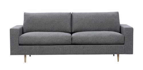 Easyliving by Finsoffat #kruunukaluste #ainain #homedeco #scandinavianhomes #interior #inspiration #interiordesign #homeinspiration #sisustus #sisustusinspiraatio #sisustusidea #modern  #retro #Finsoffat #livingroom #sofa #sohva