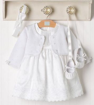 Would love a pic like this of Olivia's first birthday outfit