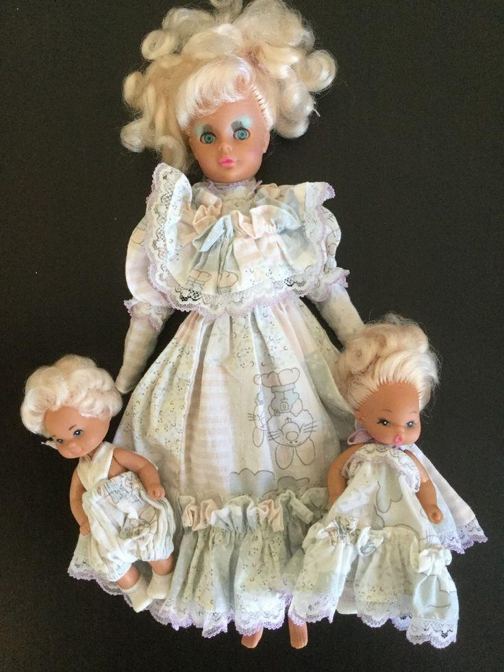 Редкая винтажная кукла Биби Бо. Продаётся в родном аутфите, с детками. Есть небольшие расплавы в стыке крепления ног. Цена 7000 рублей. Пересылка включена.