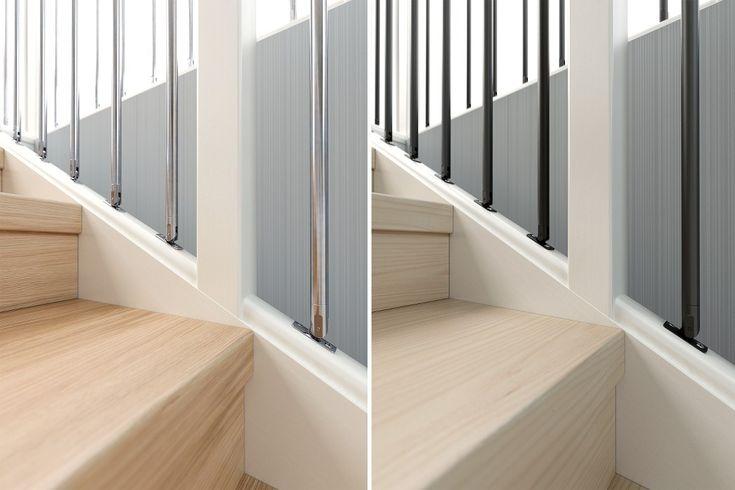 Trapprenoveringssteg i ek och ask. I bakgrunden syns vår trappräcke new york i aluminium respektive svart. Se hela guiden på http://www.lundbergs.com/sv-se/guider/renovera-trappan