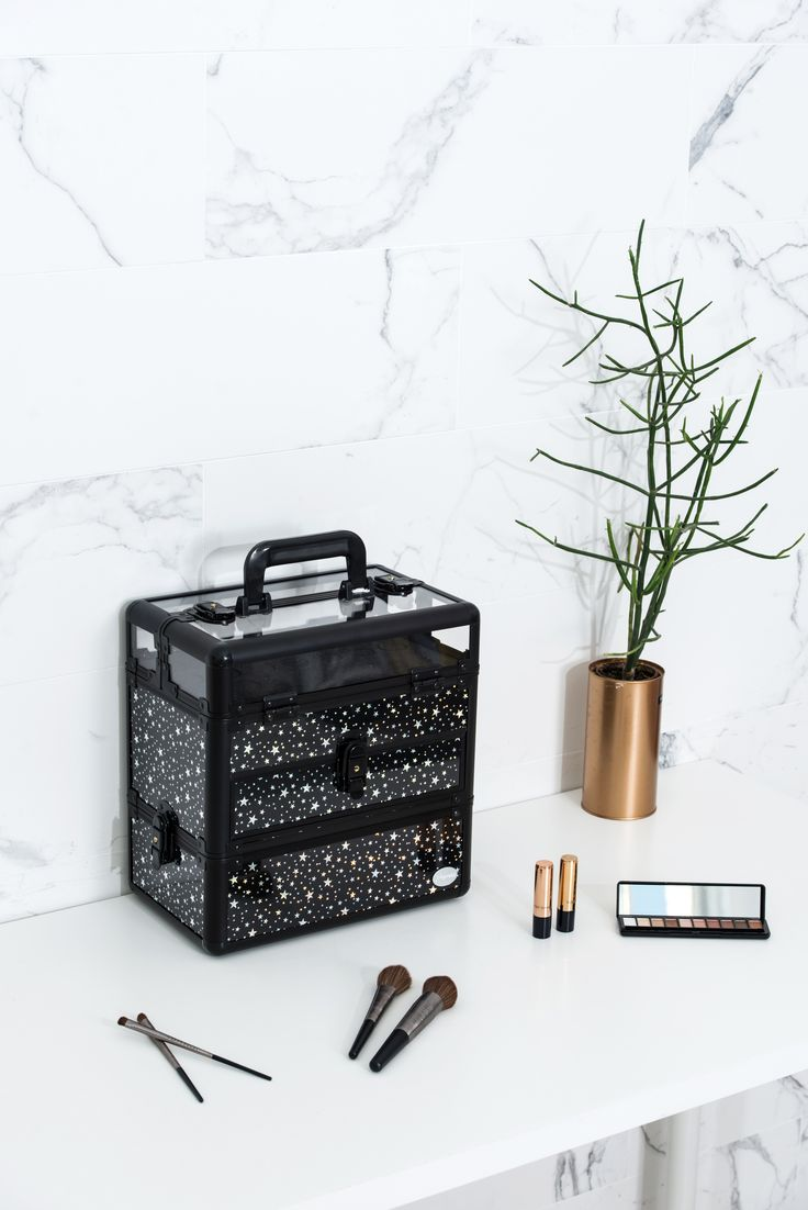 Black Star Print Professional Nail Artist Makeup Train Case with Drawer--Joligarce Travel makeup case with mirror Artis makeup case Makeup vanity with storage Makeup organizer with mirror Best makeup case Big makeup case Cheap makeup organizer Cosmetic train case Makeup case with brush holder Makeup organizer with drawers Makeup case with lock Makeup artist train case Portable makeup case