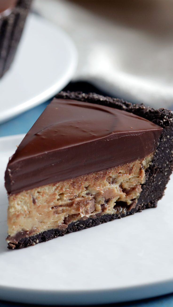 Giant Peanut Butter Cup Cheesecake