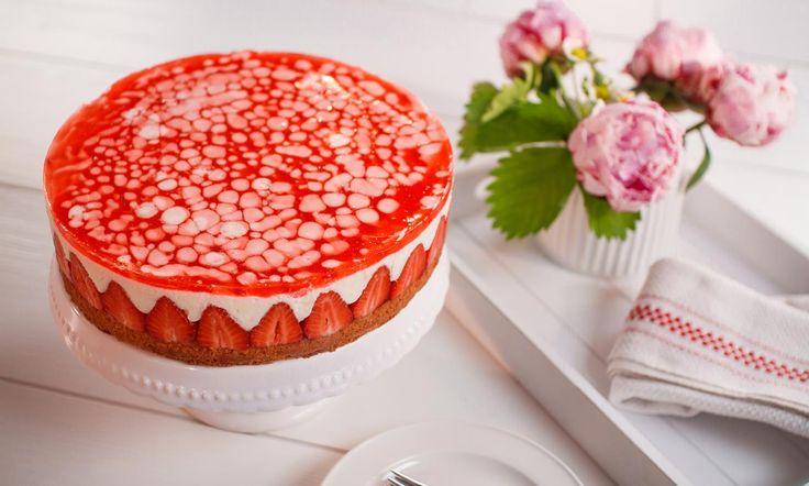 Sommerliche Erdbeer-Torte Rezept | Dr. Oetker
