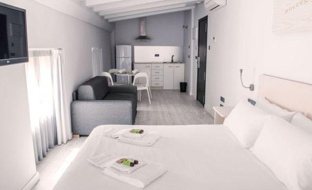 Valenciaflats Somos la primera cadena de apartamentos turísticos de la ciudad de Valencia. Alquiler de Apartamentos por días en Valencia en las mejores zonas de la ciudad. Más de 300 apartamentos totalmente equipados.