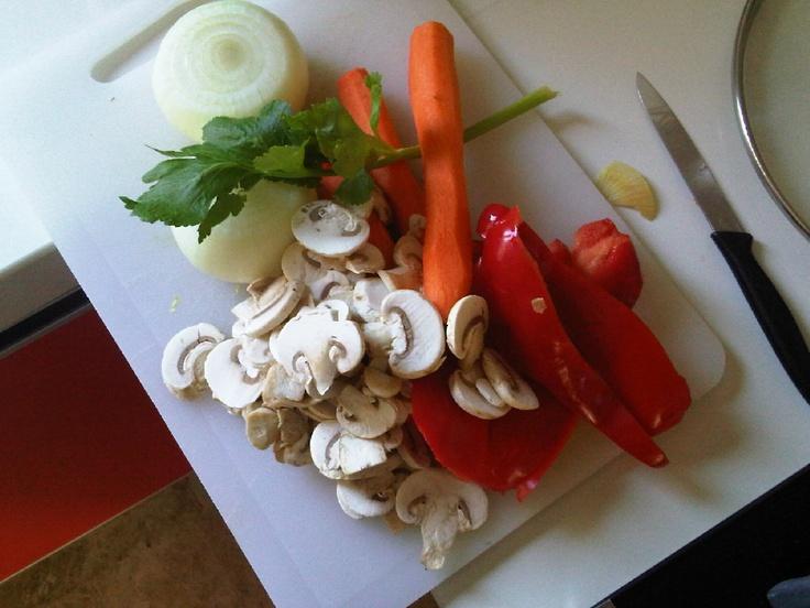 vegetables for spaguetti bolognesa http://kindersano.blogspot.com.es/2011/01/spaguetti-bolognesa.html