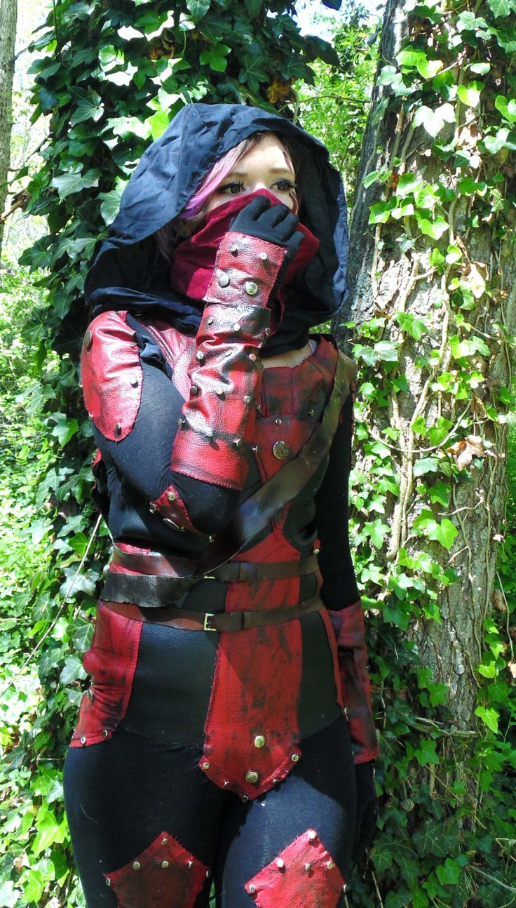 Dark Brotherhood Cosplay Tutorial: Pattern Making/Assembly/Weathering