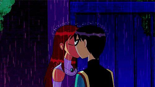 Robin and starfire kiss the girl