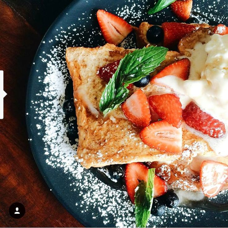 Happy hump day peeps! French toast never looked soooo good 😍😍 awesome pic byhttps://www.instagram.com/vicklysweet/ ✌