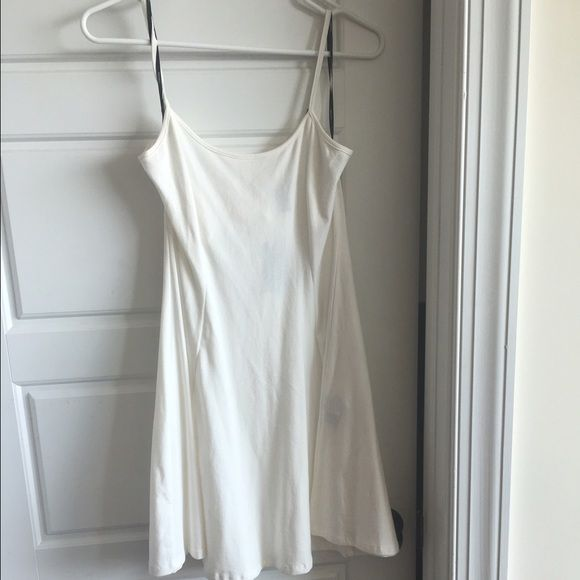 All white party dress Perfect for the hamptons all white party! Pair with cream cardigan and chunky jewelry and your cutest wedges Forever 21 Dresses Mini