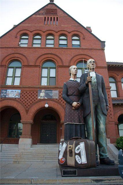 Необычные ,креативные памятники и скульптуры в США.