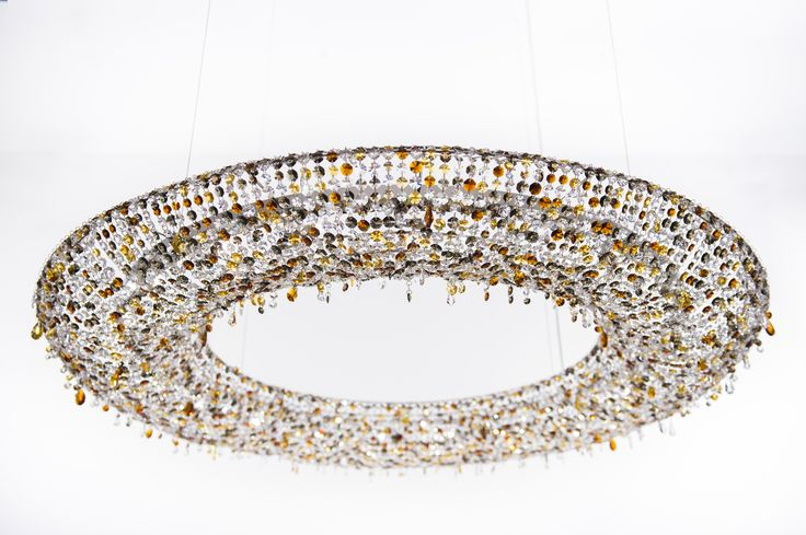 LOOOP Crystal pendant lamp by Manooi #Manooi #crystalchandelier #chandelier #lighting #design #Looop #luxury #furniture