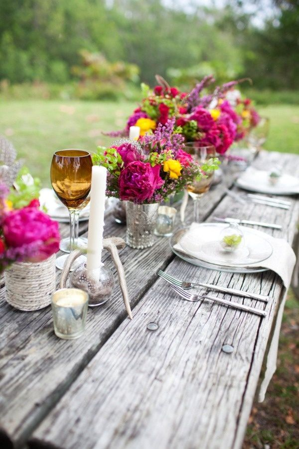 19 gorgeous outdoor rustic wedding table decoration for Garden wedding table settings