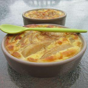 Source : Weight watchers Pour 4 personnes : 2 grosses poires 2 oeufs moyens 10 gr de sucre en poudre 10 cl de crème liquide...