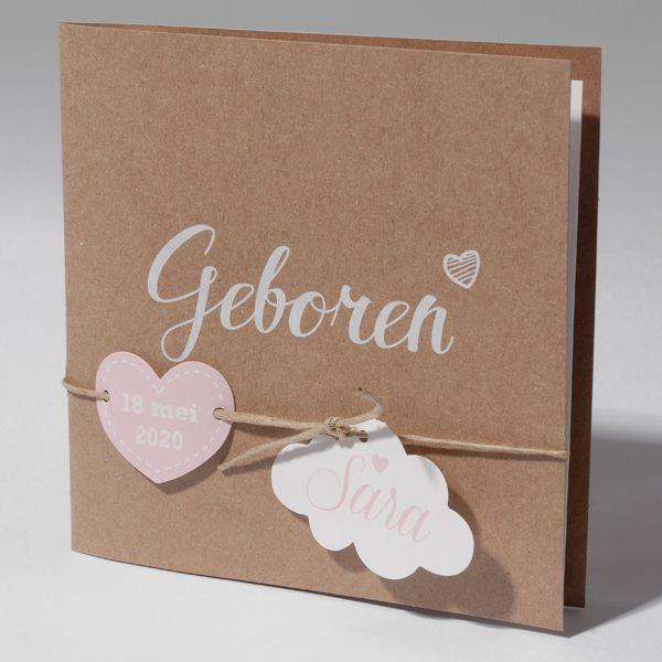 Geboortekaartje Family Cards Klein Wonder - 63.572m - 63.572 - Hip vierkant bruin eco geboortekaartje met off white inlegvel, touwtje, wolkje en hartje. - Geboortekaartjes.nl
