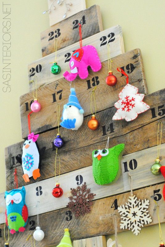 Awesome pallet diy advent calendar christmas pinterest for Christmas tree advent calendar diy