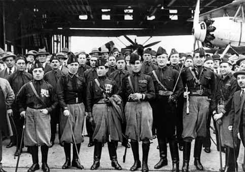 Resultado de imagen de uniformes camisas negras fascistas italianos