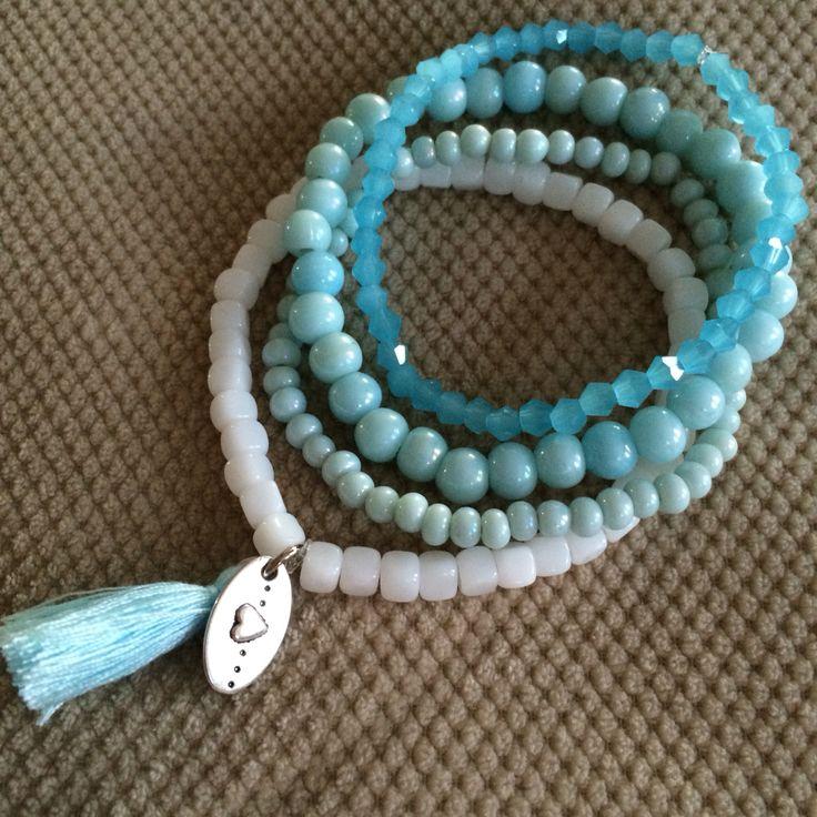 Set blauwe armbandjes