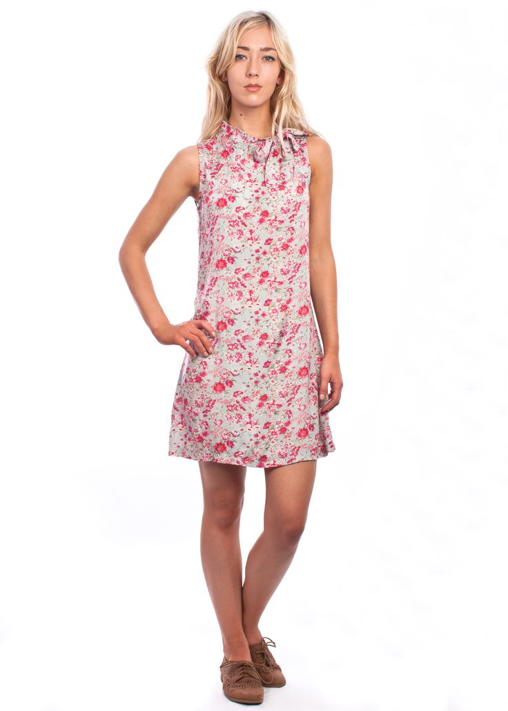 The pink floral Twiggy dress #pink #floral #60s #vintage #style #shift #dress