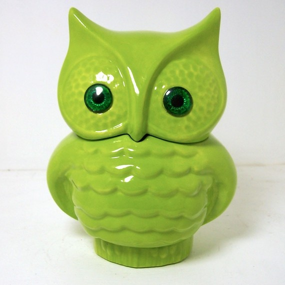 This owl cookie jar is the perfect color for my kitchen. <3