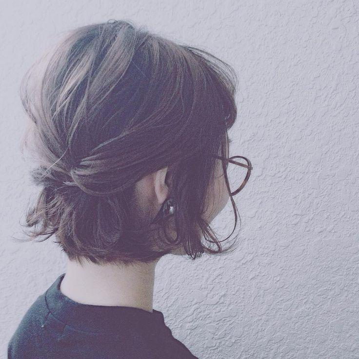 「Bob arrange. #Shitore #シトリ #hair #hairstyle #hairarrange #ヘアアレンジ #ヘア #ヘアスタイル #ネイル #nail #wedding #bob #arrange #下北沢 #ボブアレンジ」