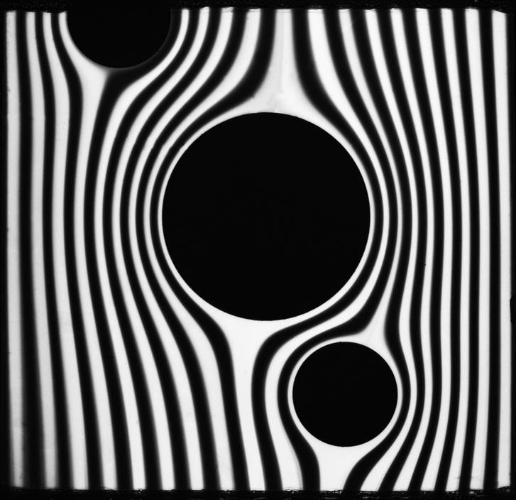 Asymmetrical balance and rhythm in a drawing