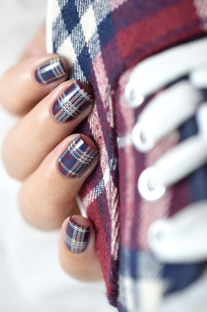 Marine Loves Polish: Nailstorming - Assortie à mes chaussures [PLAID NAIL ART VIDEO TUTORIAL] - plaid nails - tartan - moyou midnight madness - moyou cafe au lait - L010