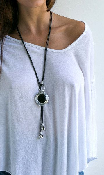 Black necklace leather necklace lariat black by danielapalatnik #colarlongo #colares #colar