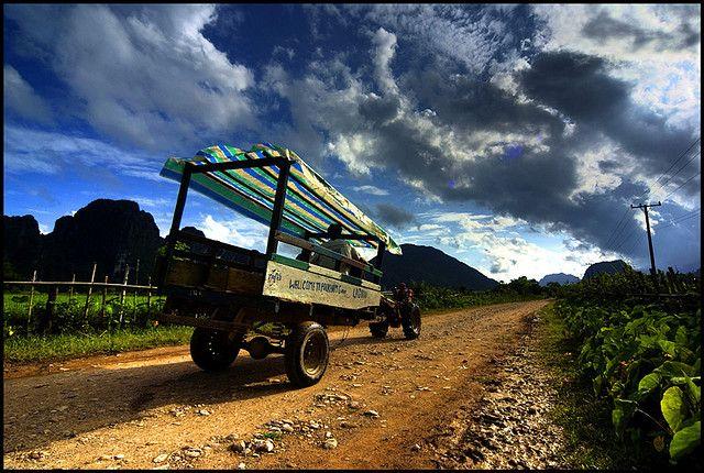 Vang Vieng, Laos (par Alessandro Vannucci). En savoir plus: http://voyager-au-laos.com/sites-a-visiter/vang-vieng