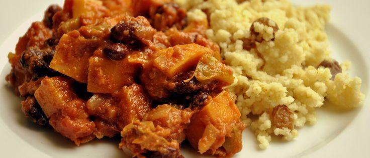 Afrikaans stoofpotje met zoete aardappelen en pindakaas | Donderdag Veggiedag