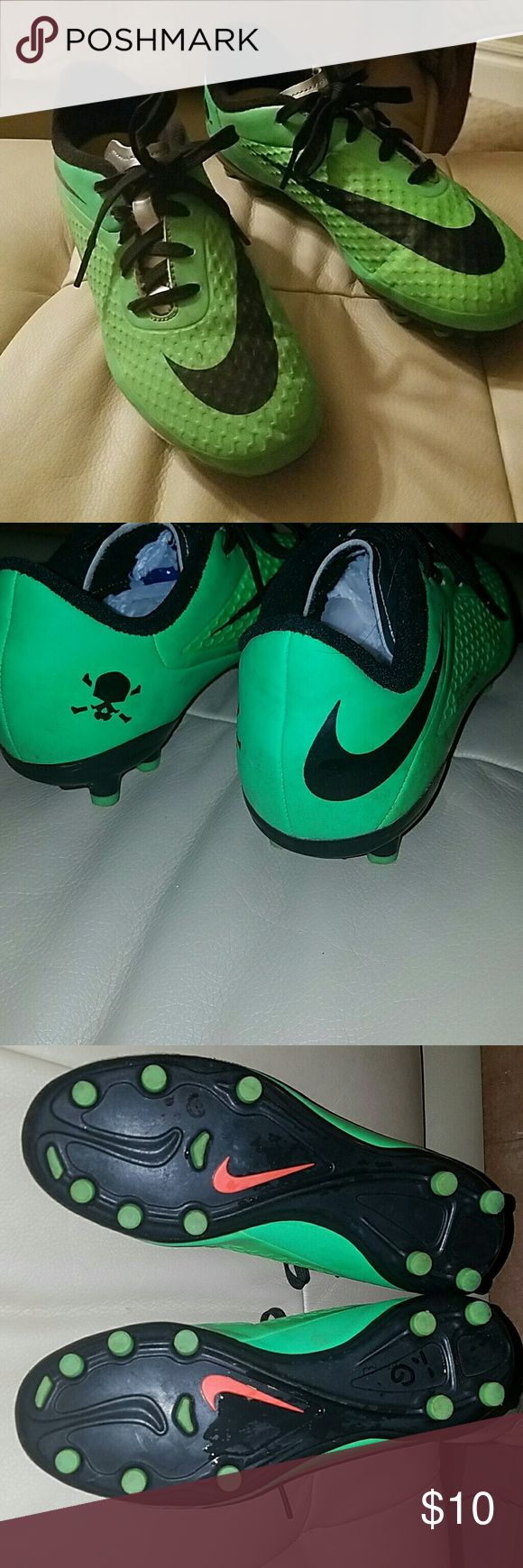 Kids NIKE SOCCER SHOES. SZ 1 YOUTH. Kids Nike soccer shoes, neon green with a silver tongue. excellent condition from a clean non-smoking home. Nike Shoes