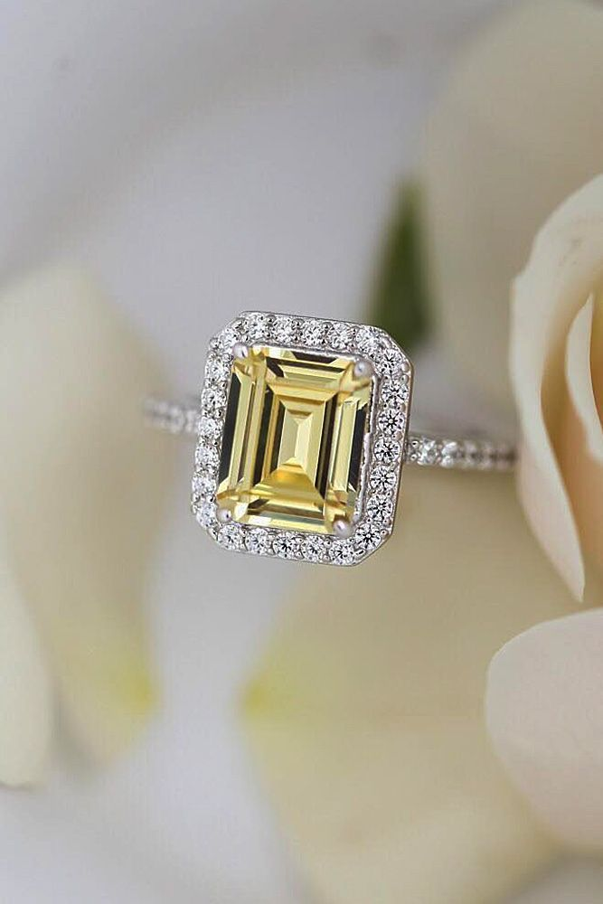 fcdc72ecd70ab One beauty yellow Diamond square cut white gold 18 k Engagement ring ...