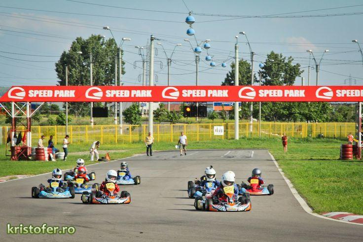 Start of Bacau Prefinal race 2013 - #Matia58 leading at the 1st corner! #kidkart #matiacuruia #FRAS #race #start #SpeedparkBacau