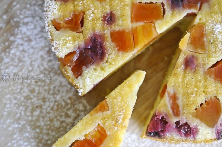 Pieczemy? Pieczemy! Oto niedzielne ciasto z papają i malinami - palce lizać.