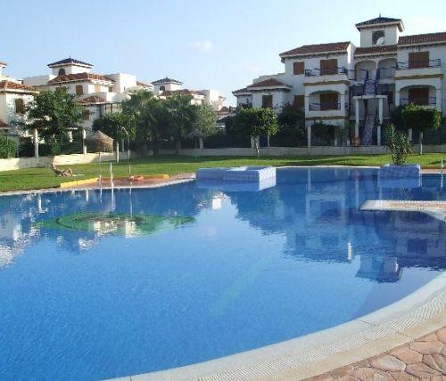 http://es.1000apartamentos.com/Almeria/Vera/Apartamentos/1-LINEA-DE-PLAYA--PLAYAZO-DE-VERA/444409