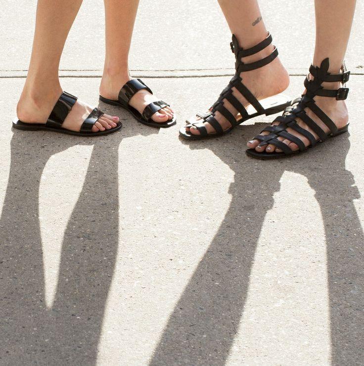 Black summer sandals / Garance Doré