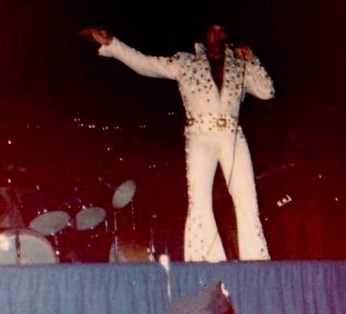 Elvis on stage in Pittsburg in june 25 1973.