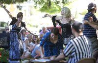 Columbian.com - Actors shake up Shakespeare at Esther Short Park (with video)