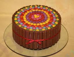 Výsledek obrázku pro narozeninovy dort lentilky