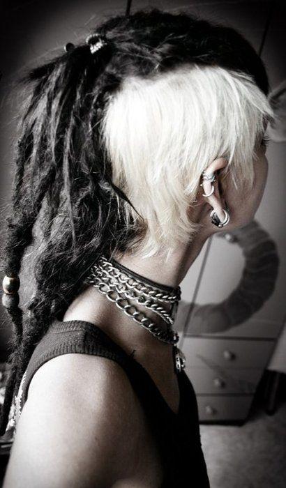 Contrast white sidecuts with dreads. Alternative hair scene style. #dreadhawk #dreadlocks